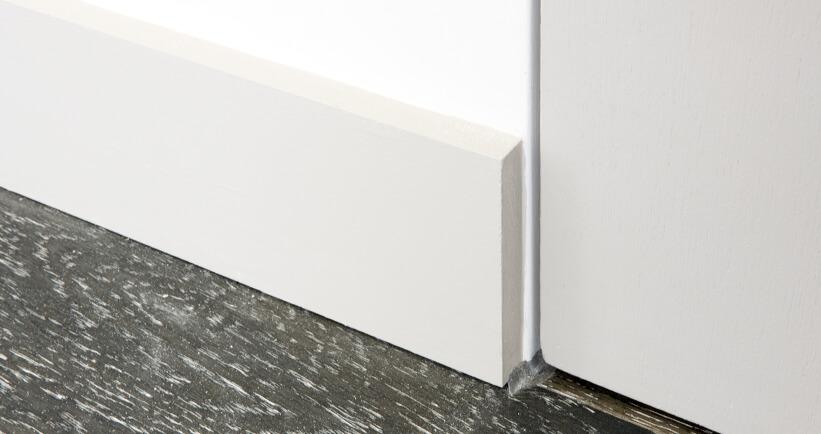 Surface mounted skirting