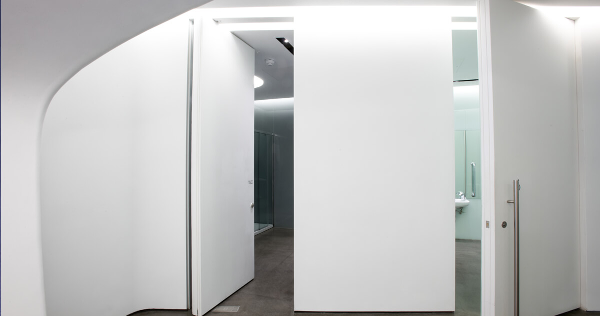 Roca London Gallery, Chelsea Harbour using Innova